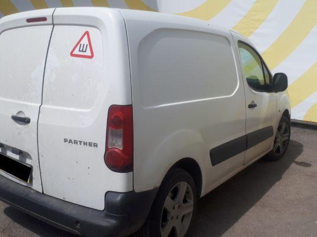 Купить б/у Peugeot Partner, 2011 год, 90 л.с. в России