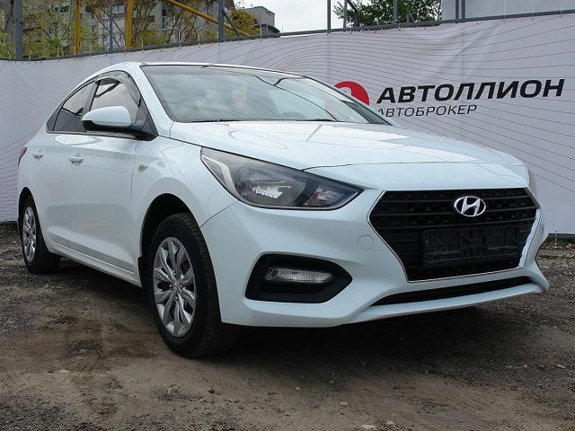 Купить б/у Hyundai Solaris, 2017 год, 123 л.с. в России