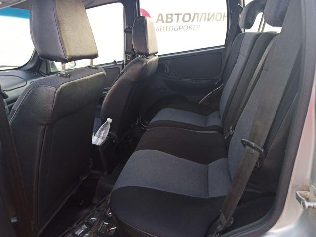 Купить б/у Chevrolet Niva, 2018 год, 80 л.с. в России