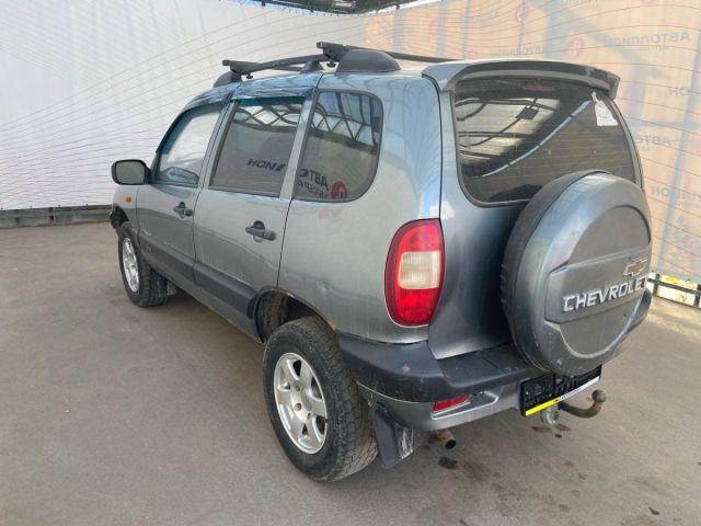 Купить б/у Chevrolet Niva, 2008 год, 80 л.с. в России